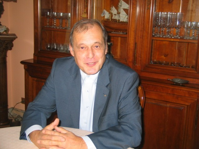 Limay (Yvelines) - Jeudi 21 nov. 2013 - Pierre-Yves Challande (64 ans) est candidat pour les municipales de mars prochain. (MA/Ab.N)