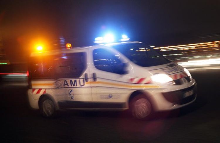 559306-une-ambulance