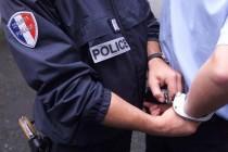Mantes-la-Ville : un homme jette un couteau sur les pompiers