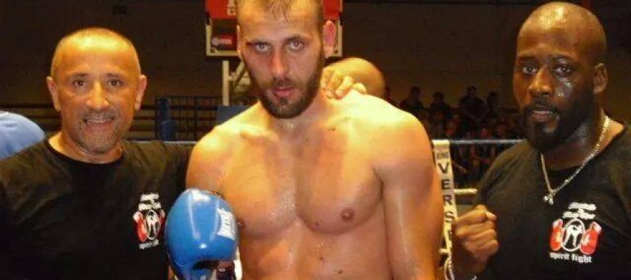 Mantes-la-Jolie : Jérémy Jeanne remporte le titre champion de France de boxe thaï