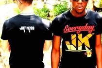 Mode : James Botetshi commercialise sa marque de prêt-à-porter « Jat Kiss »