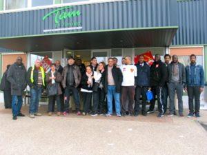 Mantes-la-Jolie, cet après-midi. Les salariés grévistes de la société TVM reprendront le travail demain (MA/AN)