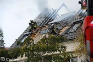 incendie-feu-pavillon-combles-pompiers-grande-chelle_897647