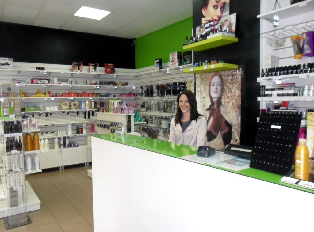 Hair center votre boutique de produits et d accessoires for Salon de coiffure mantes la jolie