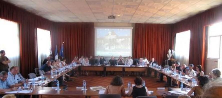Conseil municipal de Mantes-la-Ville : Monique Deniau (FN) démissionne