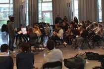 Mantes-la-Jolie : le rappeur Rost en visite au collège de Gassicourt