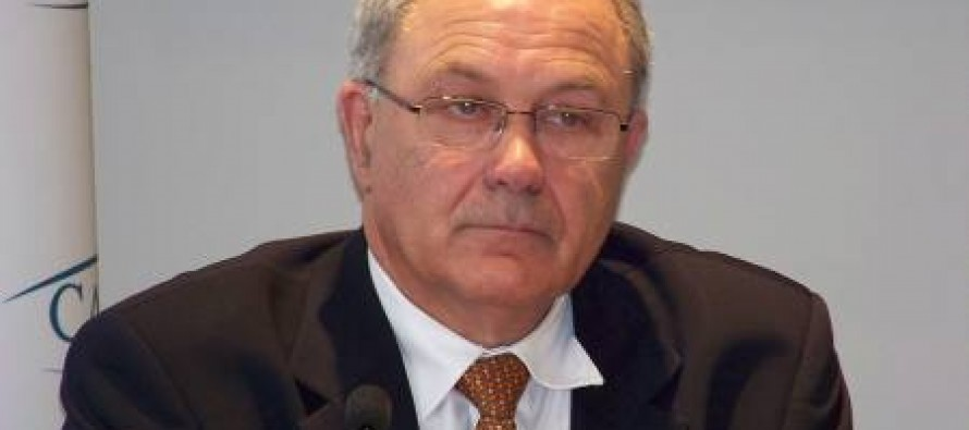 Mantes-la-Jolie : l'ancien ministre Jacques Godfrain (LR) en visite