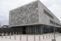 Les Mureaux : le ministre de l'Intérieur en visite au nouveau commissariat