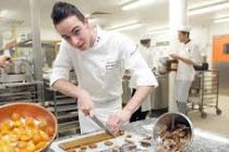 Emploi : la Région Île-de-France recrute des apprentis en cuisine