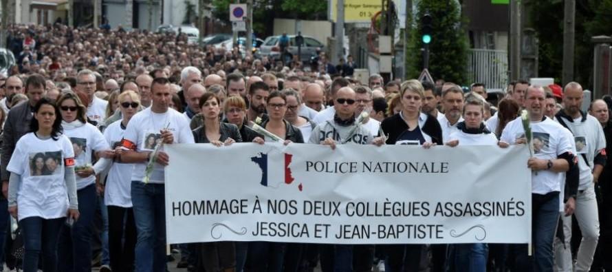 Magnanville : 2500 personnes marchent pour les deux policiers tués