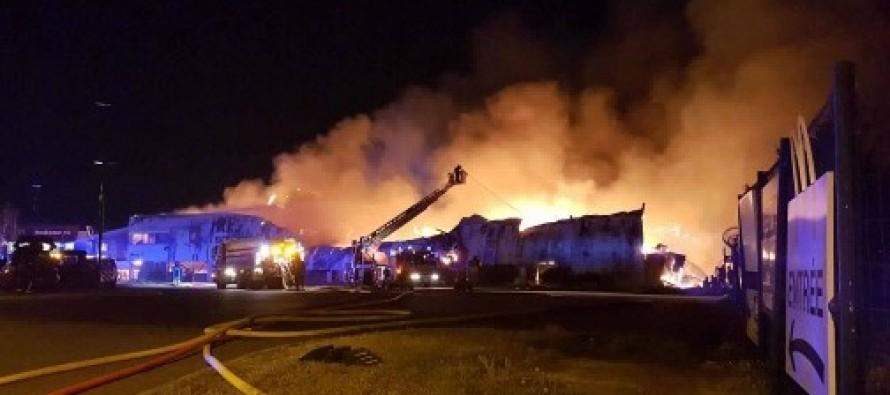 Buchelay : un incendie détruit le magasin Réseau Pro