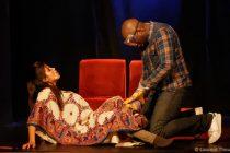 Théâtre – 9 mois de bonheur : la pièce avec Oumar Diaw prolongée jusqu'en novembre