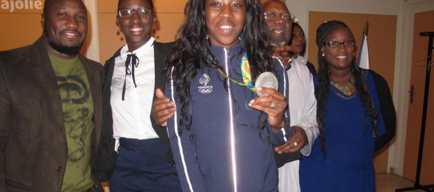 Mantes-la-Jolie : Haby Niaré honorée à l'hôtel de Ville