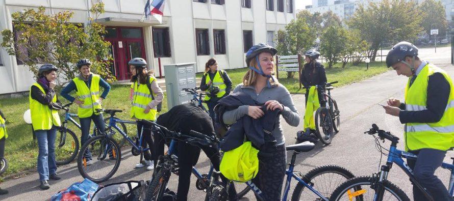 Mantes-la-Jolie : 15 nouveaux professeurs parcourent la ville en VTT