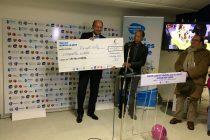 Solidarité : Mantes-la-Jolie remet un chèque de 17 050 € à «+ de Vie» et URMA