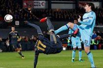 Foot – C3 : Moussa Sow auteur d'un nouveau retourné acrobatique contre le Feyenoord Rotterdam