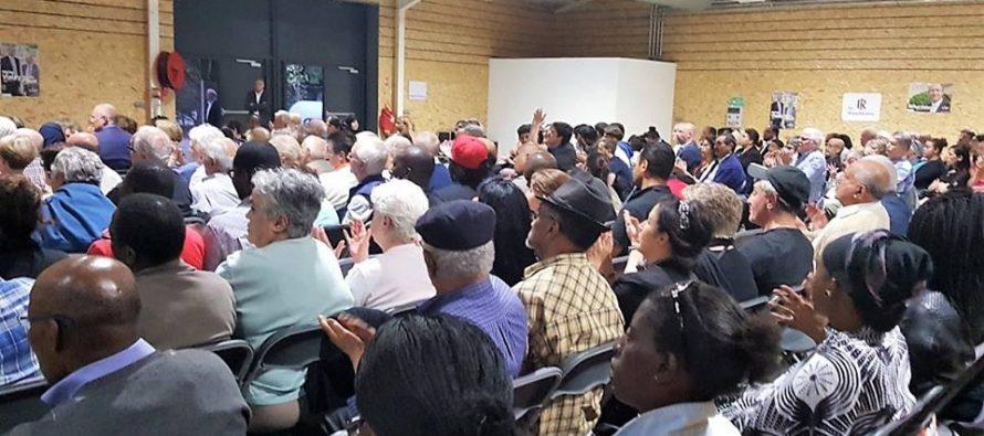 Législatives : 500 personnes à la première réunion publique de Michel Vialay