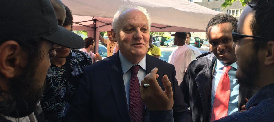 Législatives : Asselineau était à Mantes-la-Jolie pour soutenir la candiate de l'UPR