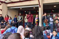 Mantes-la-Jolie : Ladji Doucouré présente son projet Golden Blocks à des collégiens