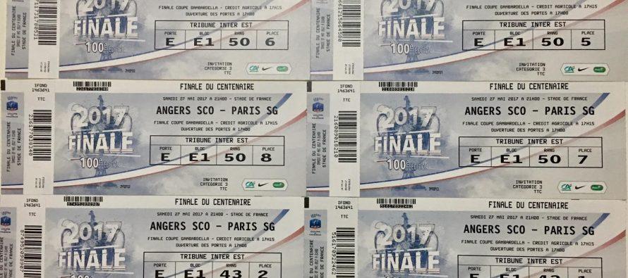 Finale PSG/ANGERS : Sport' A Vie et Mantes Actu offrent des places à des jeunes footballeurs