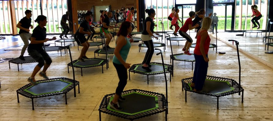 Buchelay : l'initiation jumping fitness rassemble plus de 100 personnes
