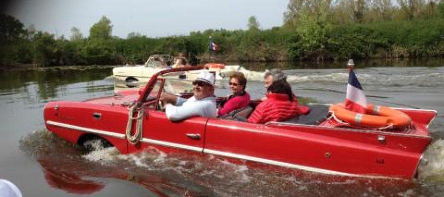 Les véhicules amphibies arrivent à Mantes-la-Jolie