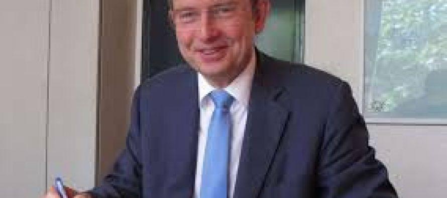 Législatives à Mantes : Michel Vialay (LR) officiellement candidat
