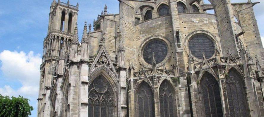 Mantes-la-Jolie : la Collégiale Notre-Dame dégradée par trois individus