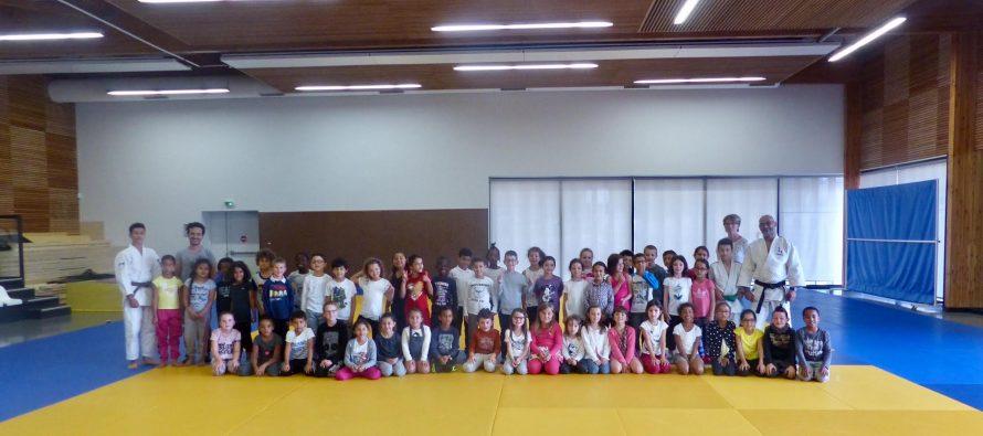 Buchelay : 270 écoliers participent à une initiation au judo
