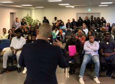 Mantes-la-Jolie : salle pleine à la soirée business avec Mohamed Géraldez et Moussa Camara