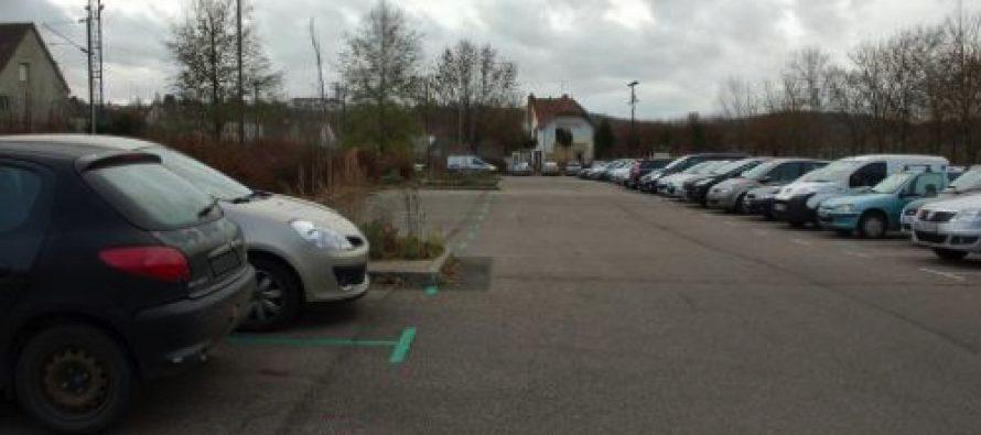 Stationnement payant à Bonnières : les usagers des transports lancent une pétition