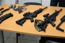 Hardricourt : des armes de guerre découvertes dans un local