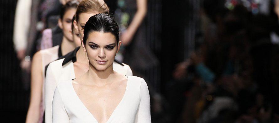 Mantes-la-Jolie : assistez aux trois défilés de mode Place Saint-Maclou