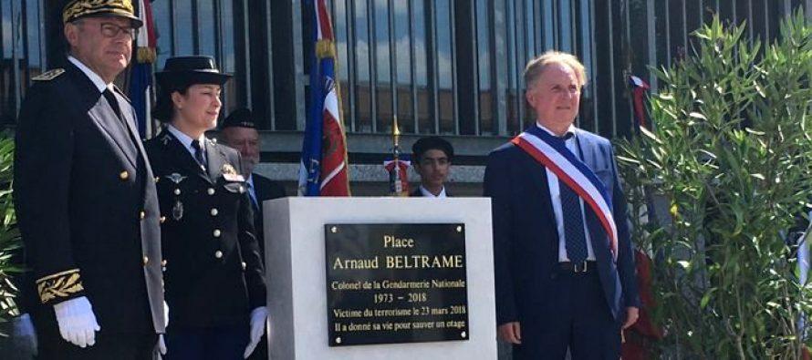 Bonnières-sur-Seine : le parvis de la gendarmerie baptisé Arnaud Beltrame