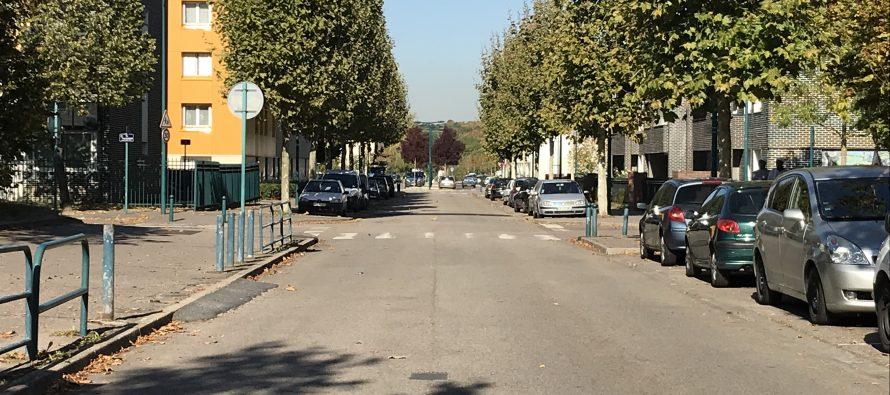 Rodéos à moto : des habitants de Mantes-la-Jolie réclament des ralentisseurs