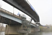 Mantes-la-Jolie – Limay : le deuxième tronçon de la nouvelle passerelle a été posé avec succès