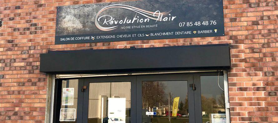 Révolution Haïr Buchelay : salon de coiffure spécialisé en face d'intersport