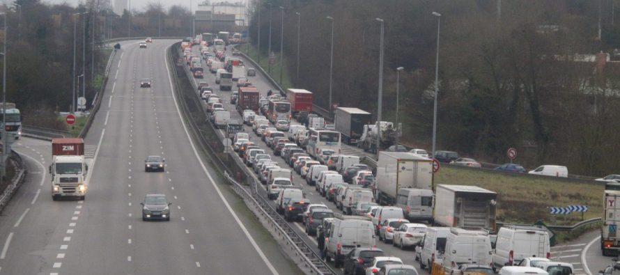 Accident à Mantes : l'autoroute A13 bouchée en direction de Paris