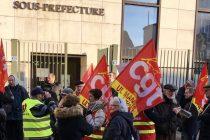 Mantes-la-Jolie : rassemblement de la CGT devant la sous-préfecture
