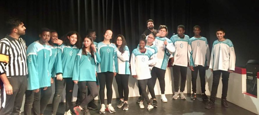 Collège Pasteur Mantes : un spectacle sur l'égalité filles-garçons