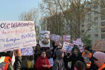 Mantes-la-Jolie : une centaine de parents d'élèves protestent contre la « loi Blanquer »