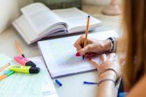 Les Mureaux : préparer le bac et le brevet à la médiathèque avec des profs