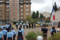 Yvelines : les gendarmes rendent hommage à Franck Chesneau, pilote de bombardier d'eau mort dans le Gard