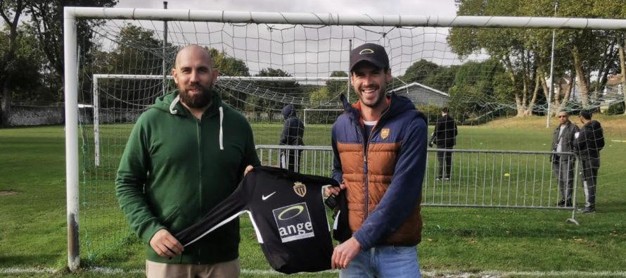 Partenariat : la Boulangerie Ange de Mantes offre des maillots au Mantes-la-Ville FC