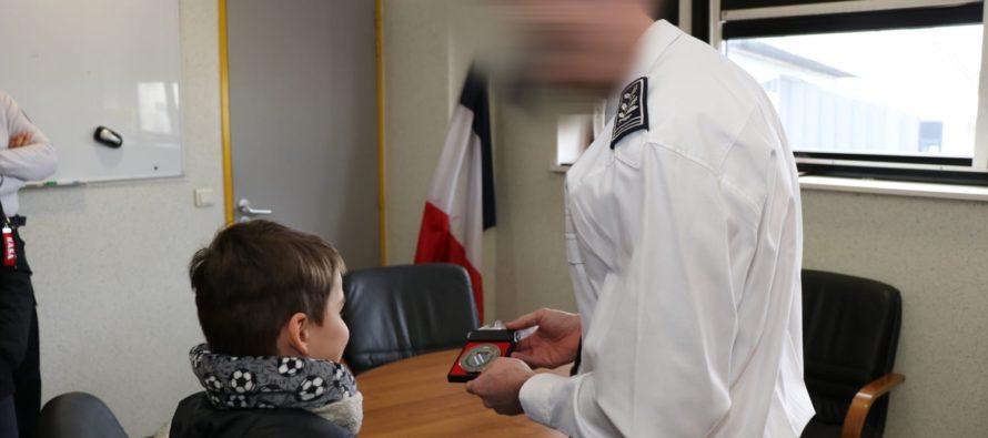 Fontenay-Saint-Père : William, 7 ans, honoré pour avoir sauvé sa grand-mère victime d'une crise cardiaque