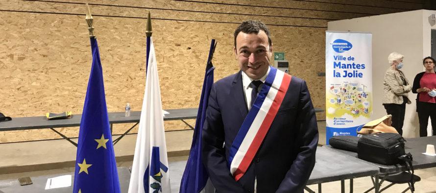 Municipales à Mantes-la-Jolie : Raphaël Cognet (LR) officiellement réélu maire avec 10 adjoints