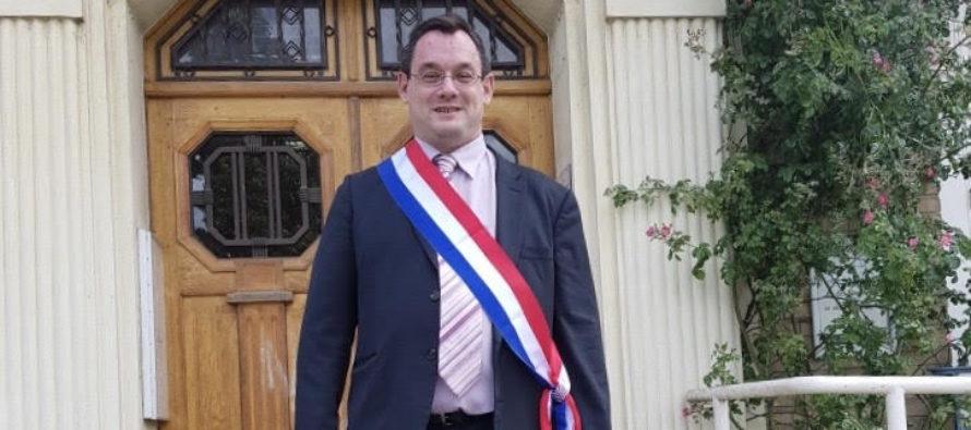 Municipales à Issou : Lionel Giraud s'installe officiellement dans le fauteuil de maire