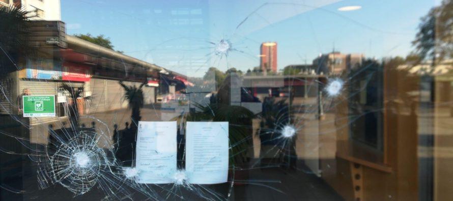 Mantes-la-Jolie : la mairie du Val Fourré caillassée et un véhicule municipal incendié