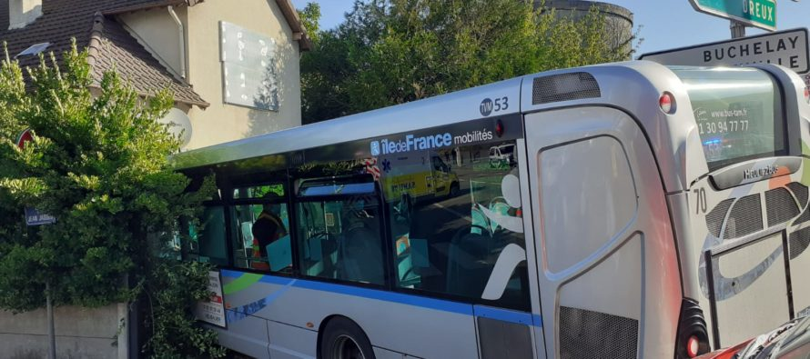 Mantes-la-Ville : 16 blessés dont 4 mineurs dans l'accident impliquant un bus