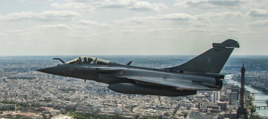 Ile-de-France : l'énorme explosion provoquée par un avion de chasse qui a franchi le mur du son